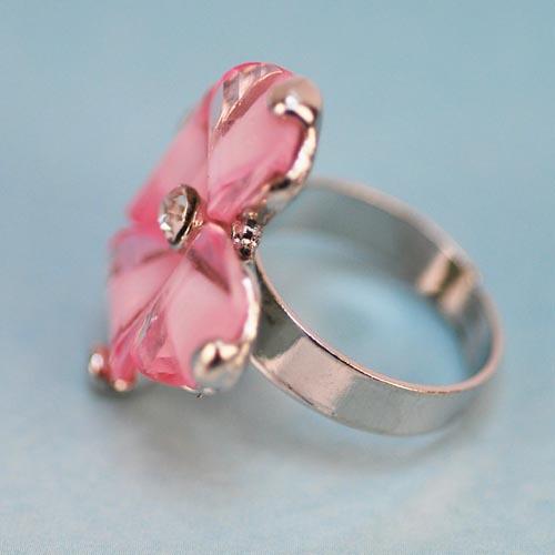 日韩流行--超人气粉色四叶花水晶心戒指韩国明星戒指